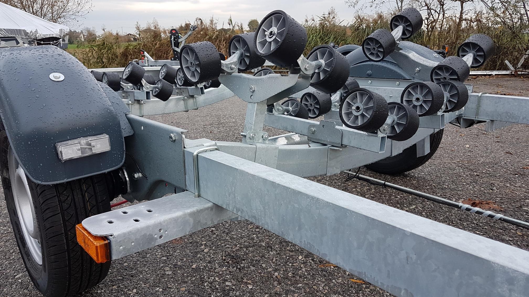 carrello rimorchio trasporto barche nuovo satellite area veneto venezia padova companymarine
