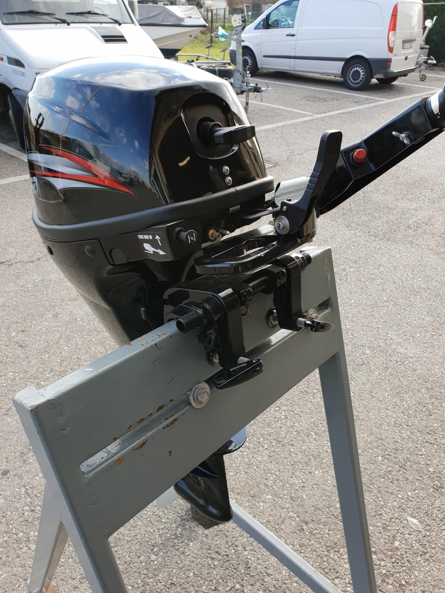 Foto Motore Fuoribordo Usato Hidea F 9.9 4 tempi gambo corto - 1