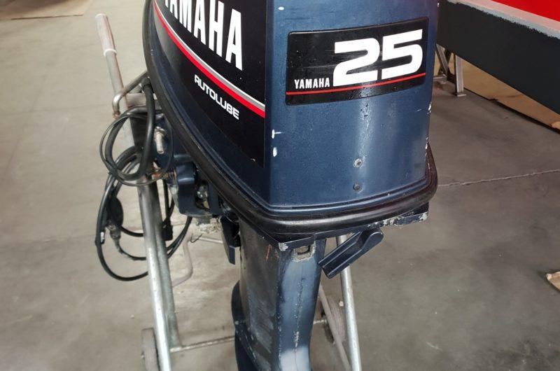 Foto Motore Yamaha 25 TOP 700 Trim Elettrico - 4