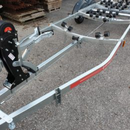 carrello doppio asse satellite 1800 Kg