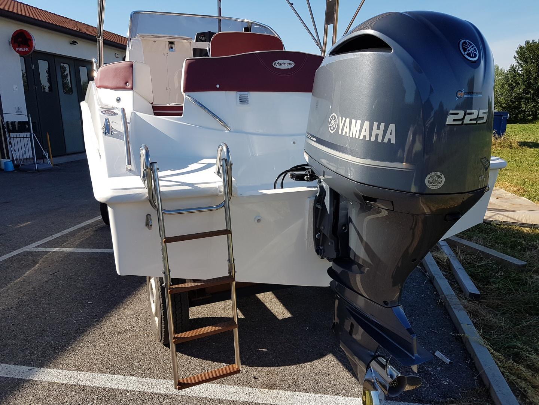 barca cabinata 8 metri